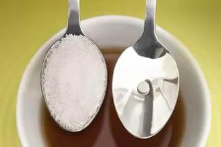 Искусственные сахарозаменители могут быть как в таблетках, так и в привычной форме